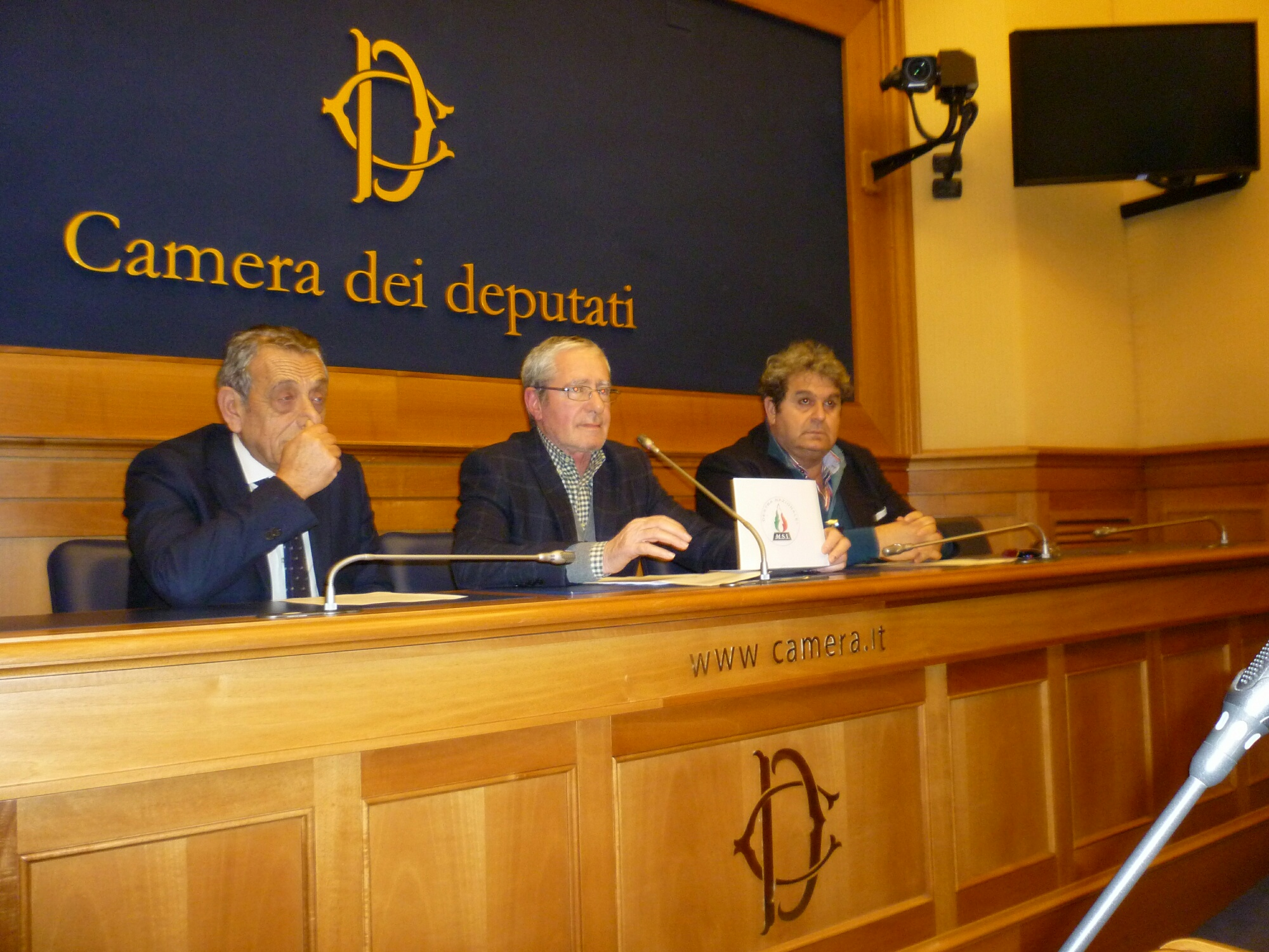 Conferenza stampa camera dei deputati on francesco for Rassegna stampa camera deputati